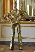 Alexander McQueen - Final Show (5)