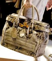 Модные аксессуары 2011 от Gucci- сумки.