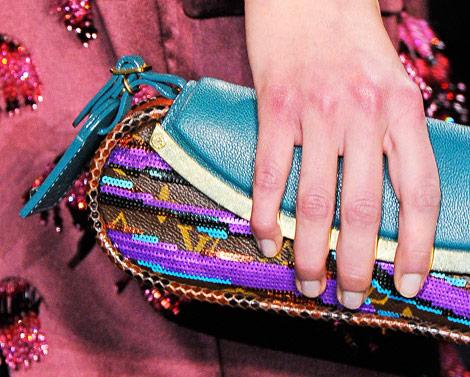 ..~شنط جديدة من لويس فيتون - Louis Vuittonمحافظ ماركة Louis