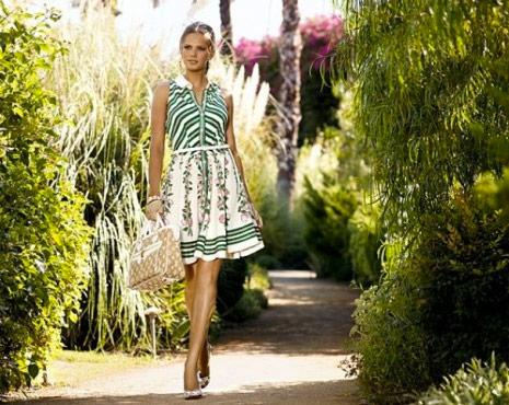 http://www.purseblog.com/images/2010/12/Vuitton-11.jpg