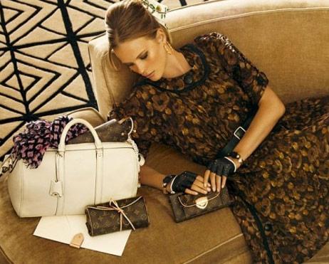 http://www.purseblog.com/images/2010/12/Vuitton-2.jpg
