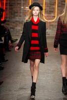 Mercedes-Benz Fashion Week NY - DKNY FW 2011-20