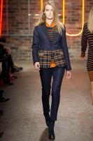 Mercedes-Benz Fashion Week NY - DKNY FW 2011-37