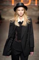 Mercedes-Benz Fashion Week NY - DKNY FW 2011-48