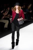 Mercedes-Benz Fashion Week NY: Rebecca Minkoff F/W 2011 (19)
