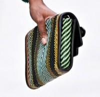 Burberry Spring 2012 Handbags (16)