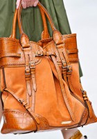 Burberry Spring 2012 Handbags (26)