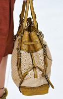 Burberry Spring 2012 Handbags (7)