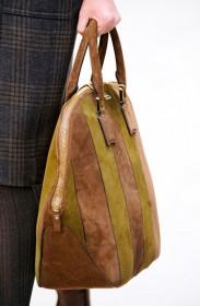 Burberry Prorsum Fall 2012 Handbags (13)