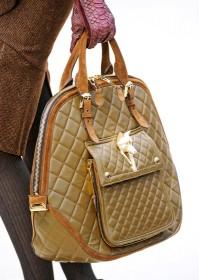 Burberry Prorsum Fall 2012 Handbags (23)