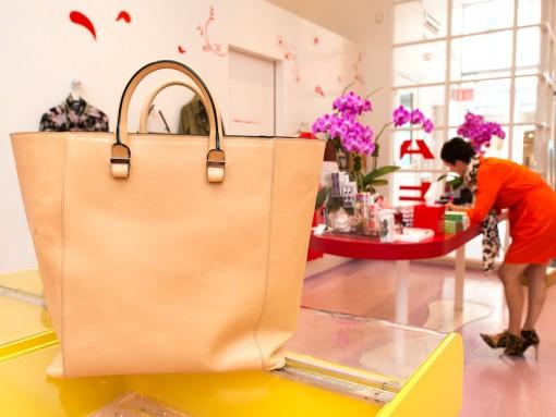 Whats' In Beth Buccini's Bag (1)