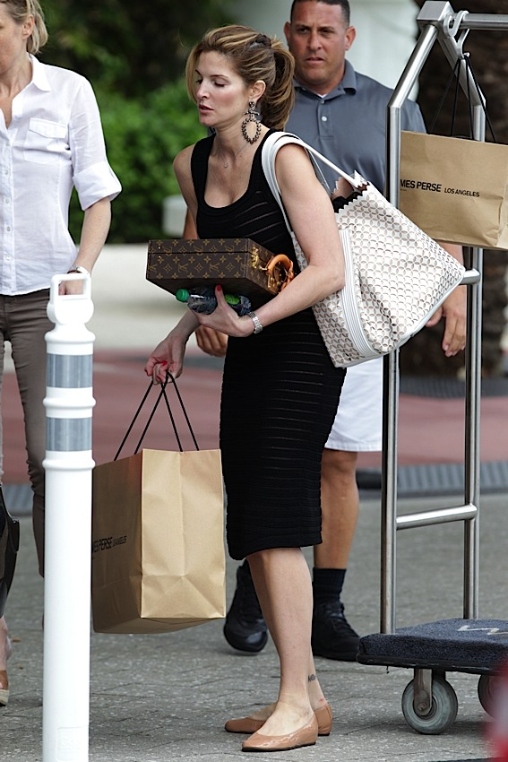 Don T Leave Home Without It Celebrities And Their Louis Vuitton Luggage Purseblog