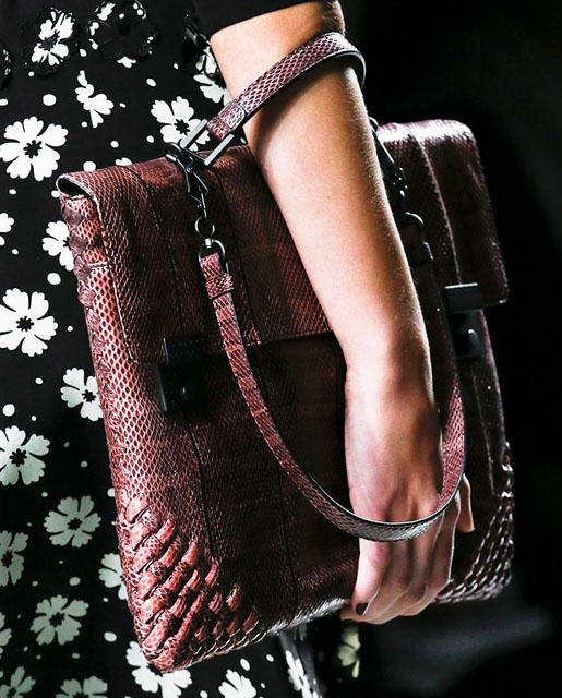 Borse Bottega Veneta 2013 : Fashion week handbags bottega veneta spring purse