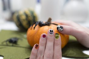 I've had time on my hands, so here are my Halloween Nails