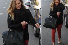 Hilary Duff carries an Yves Saint Laurent Cabas ChYc
