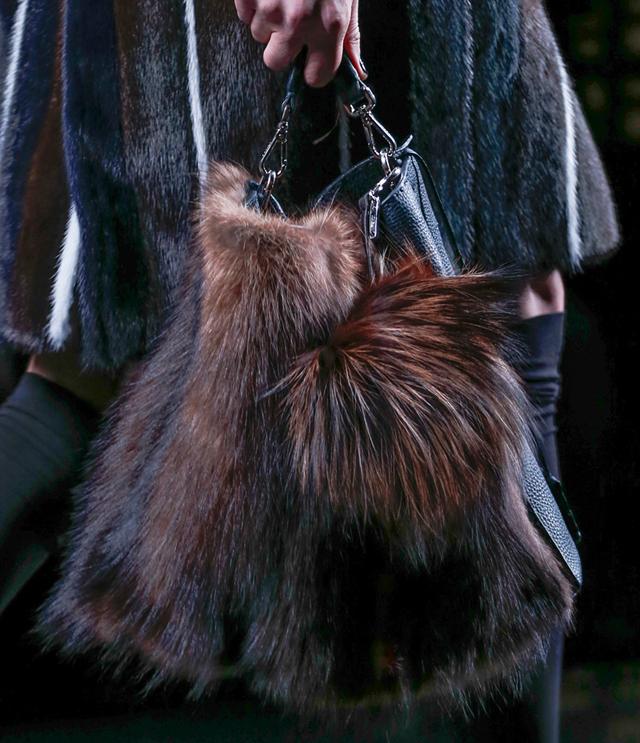 Fendi Fur Bags for Fall 2013 (10)