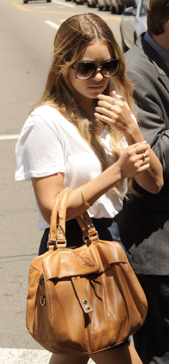 The Many Bags of Lauren Conrad (10)