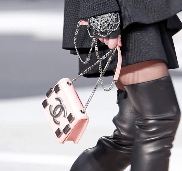 Chanel Fall 2013 Runway Handbags (13)