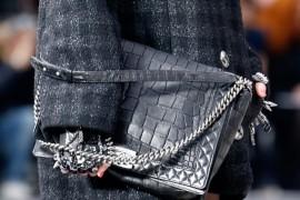 Chain detail on a Chanel Fall 2013 runway handbag