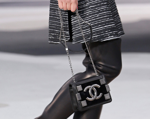 Chanel Fall 2013 Runway Handbags (37)