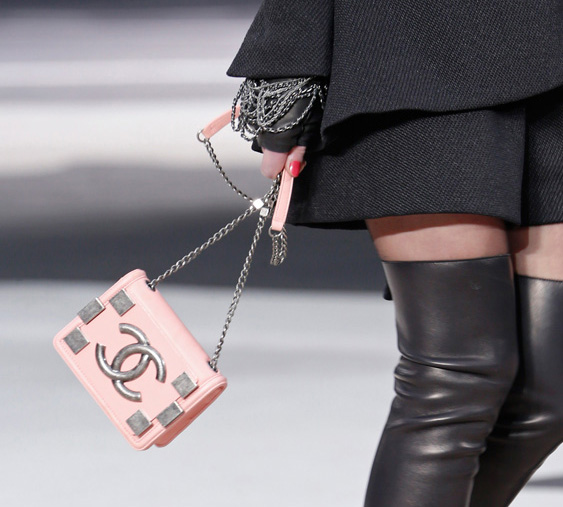 Chanel Fall 2013 Runway Handbags (39)