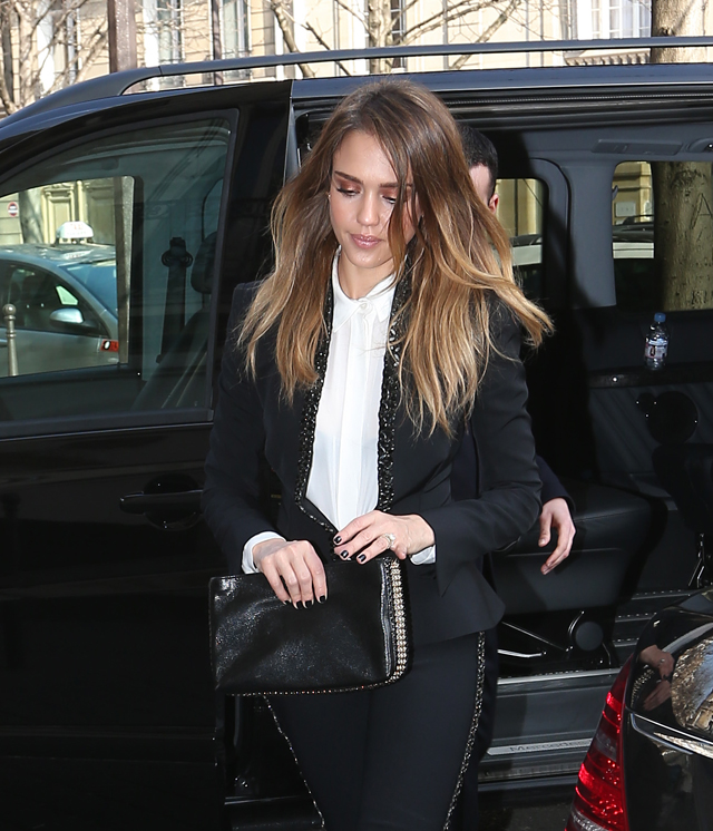 Celebrities and their bags at Paris Fashion Week (7)
