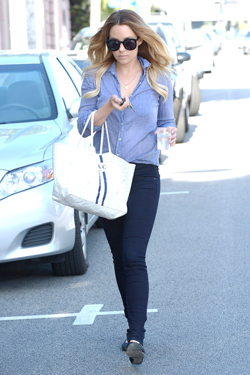 Lauren Conrad carries a white Goyard St. Louis Tote personalized with her initials (1)