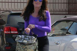 """Lisa Vanderpump exits """"DWTS"""" rehersals with a Dolce & Gabbana bag"""