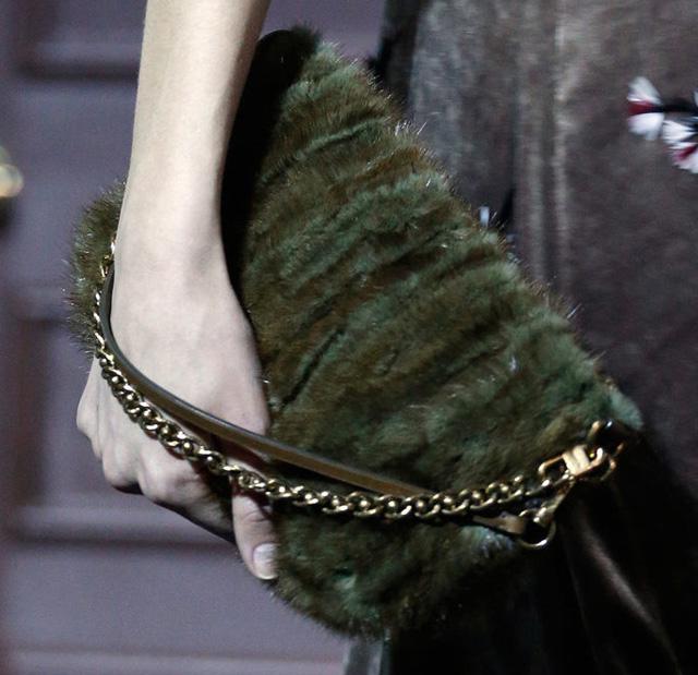 Louis Vuitton Fall 2013 Handbags (18)