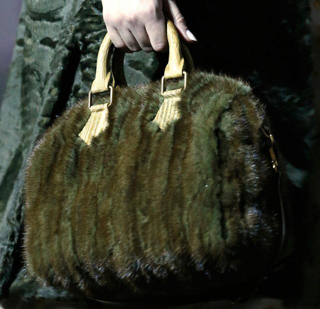 Louis Vuitton Fall 2013 Handbags (26)