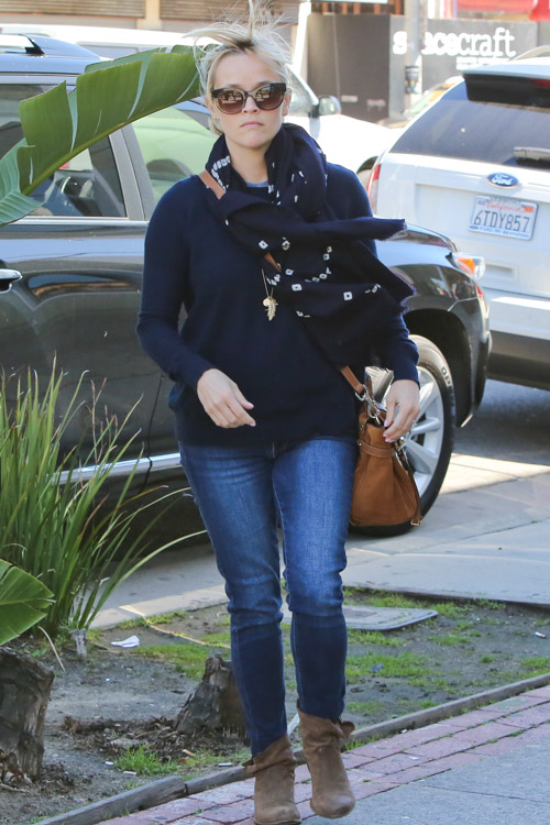 Reese Witherspoon carries a tan Mulberry Tassel Bag in Los Angeles (1)