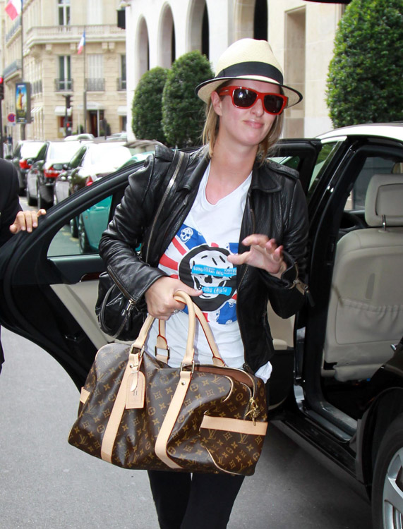 The Many Bags of Nicky Hilton-23