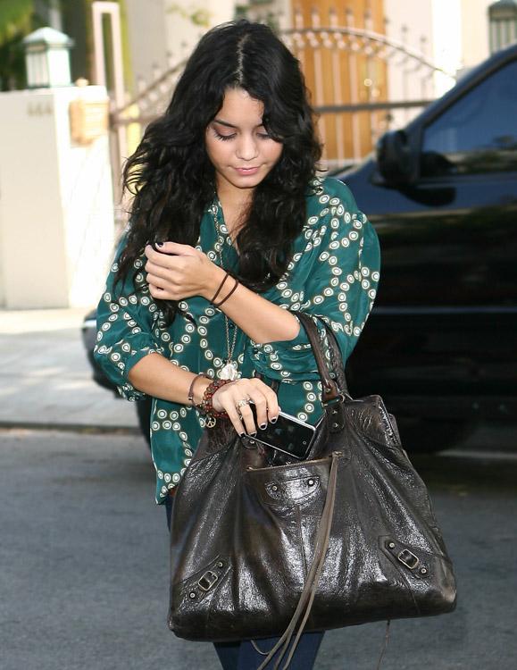 The Many Bags of Vanessa Hudgens (1)