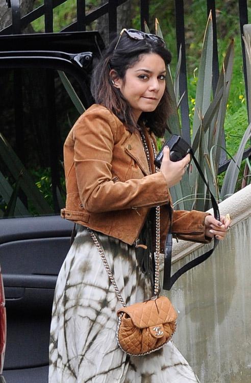 The Many Bags of Vanessa Hudgens (19)