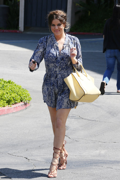 Khloe Kardashian carries a yellow Celine Phantom Luggage Tote (1)