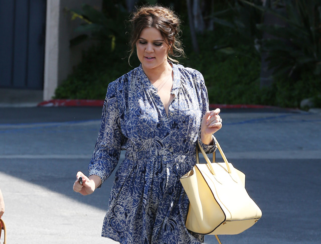Khloe Kardashian carries a yellow Celine Phantom Luggage Tote (2)