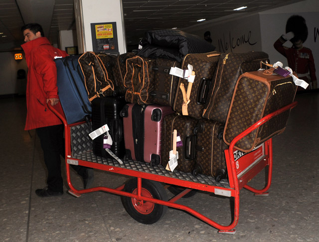 Kourtney Kardashian Kris Jenner Scott Disick Louis Vuitton Luggage Hermes Birkin Bags-1