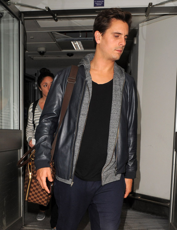 Kourtney Kardashian Kris Jenner Scott Disick Louis Vuitton Luggage Hermes Birkin Bags-3