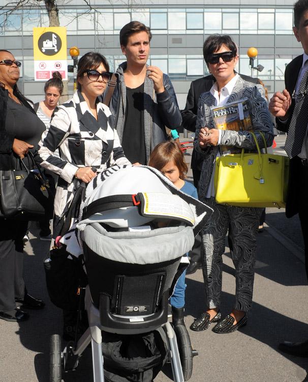 Kourtney Kardashian Kris Jenner Scott Disick Louis Vuitton Luggage Hermes Birkin Bags-5