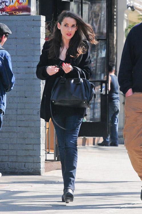 Winona Ryder Marc Jacobs Antonia Satchel Black-2