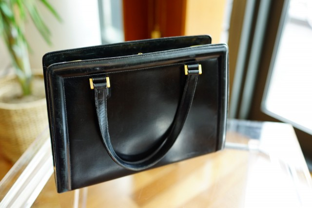 What's In Her Bag: Samantha Daniels (28)