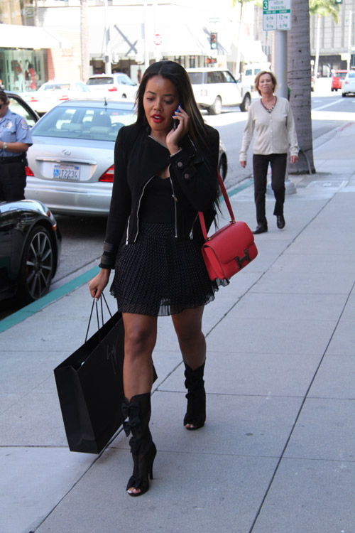 Angela Simmons carries a pink Hermes Constance Bag (2)