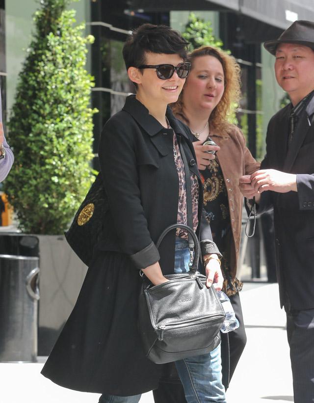 Ginnifer Goodwin carries a grey Givenchy Pandora Bag (1)