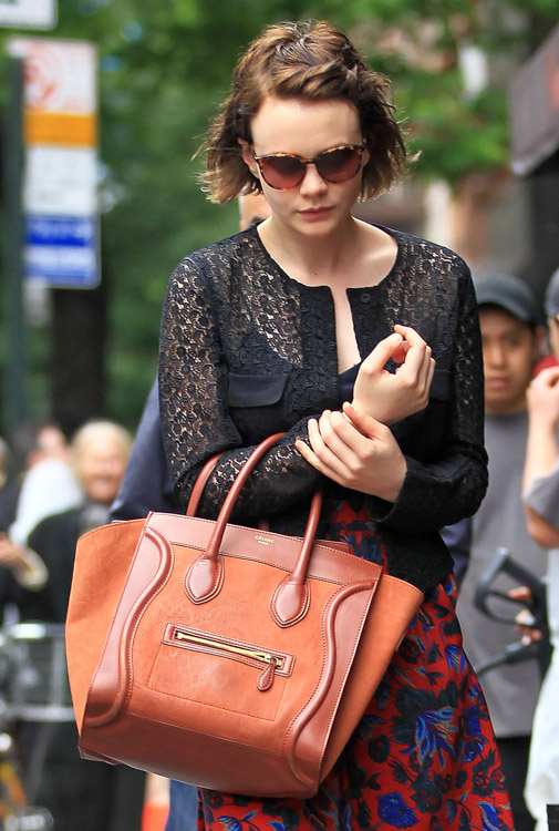 The Many Bags of Carey Mulligan (6)