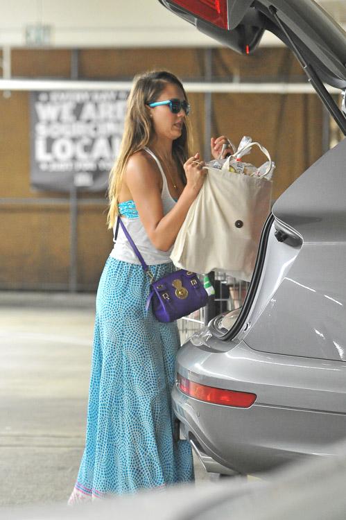 Jessica Alba carries the Ralph Lauren Ricky Mini Crossbody Bag in LA. (3)