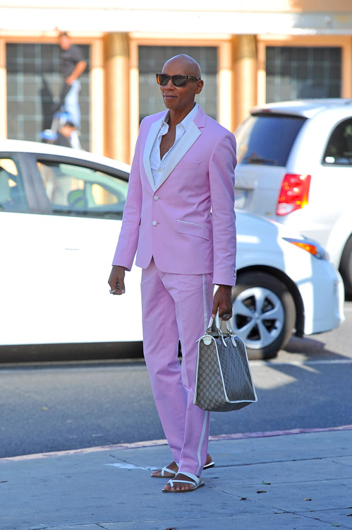RuPaul carries a Gucci logo tote bag in Beverly Hills (4)