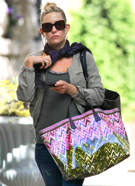 The Many Bags of Kate Hudson (1)