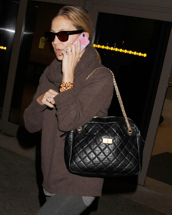 The Many Bags of Kate Hudson (17)