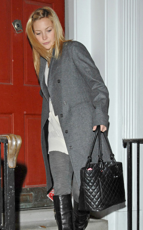The Many Bags of Kate Hudson (2)