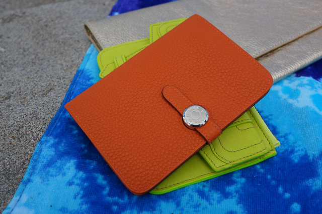 Whats in my Hermes Kelly Beach Bag-15